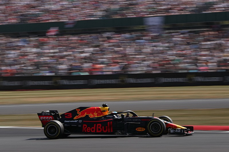 Гран Прі Німеччини: Ріккардо на крихти випередив Хемілтона у першій практиці