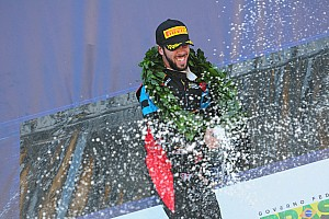 Brasileiro de Turismo Relato da corrida Com erro de Rimbano, Campos vence rodada dupla em Goiânia