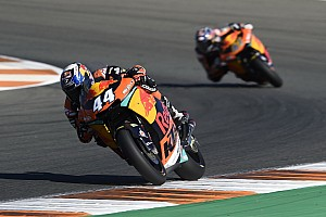 Moto2 Race report Valencia Moto2: Oliveira beats Morbidelli for third straight win