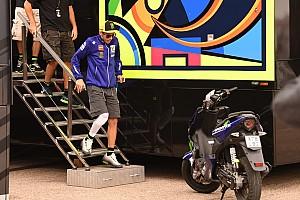 Rossi risponde ai social: