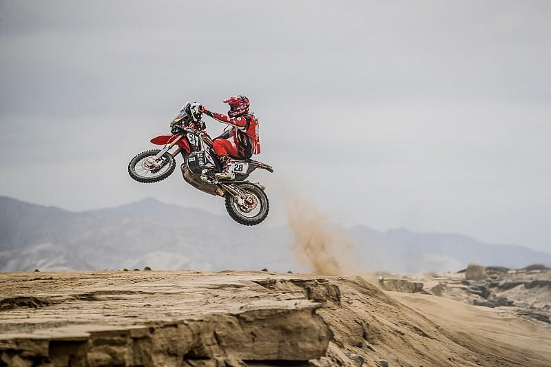 Відео: найкращі моменти 1-го етапу Дакара-2019 - мотоцикли та квадроцикли