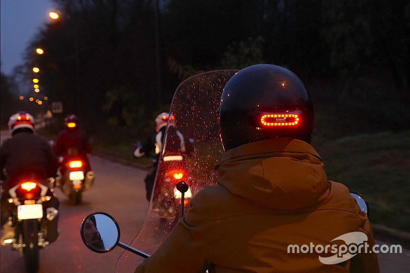 Découvrez Cosmo Moto, la solution de sécurité connectée pour motocyclistes