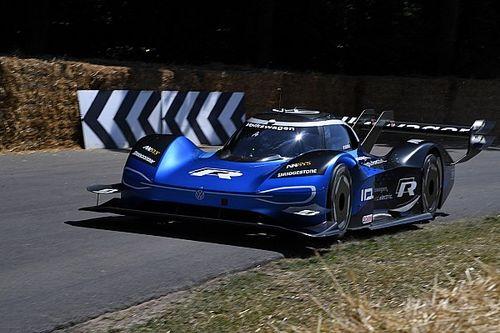Электрический прототип Volkswagen побил рекорд трассы в Гудвуде, обогнав McLaren Формулы 1