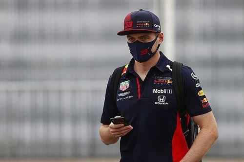 """Verstappen ve """"estúpido"""" el formato de gran premio en Imola"""