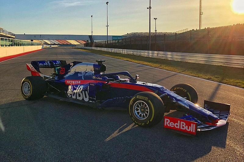 Toro Rosso, Honda motorlu STR14'ü Misano'da piste çıkardı