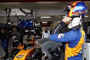 Вогонь у боксах McLaren зачепив трьох людей