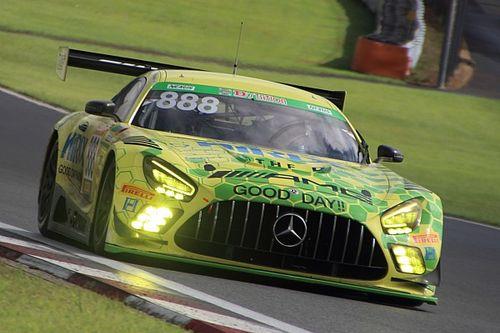富士24時間レース|ゴールまで残り4時間、888号車HIRIXが初Vに向けリード広げる