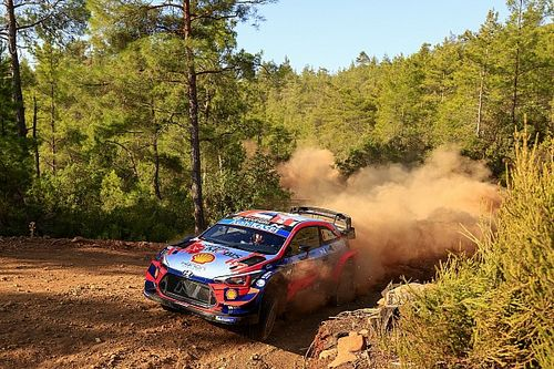 Tanak's WRC title hopes take blow after Rally Turkey crash