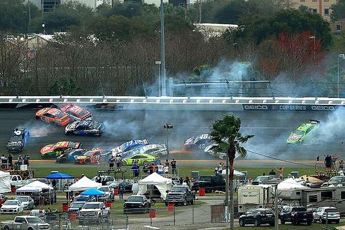 Огонь, обломки и десятки пострадавших. На «500 миль Дайтоны» случилось две массовых аварии