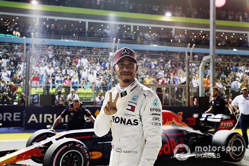 Fotogallery: Lewis Hamilton brilla nelle Qualifiche del GP di Singapore