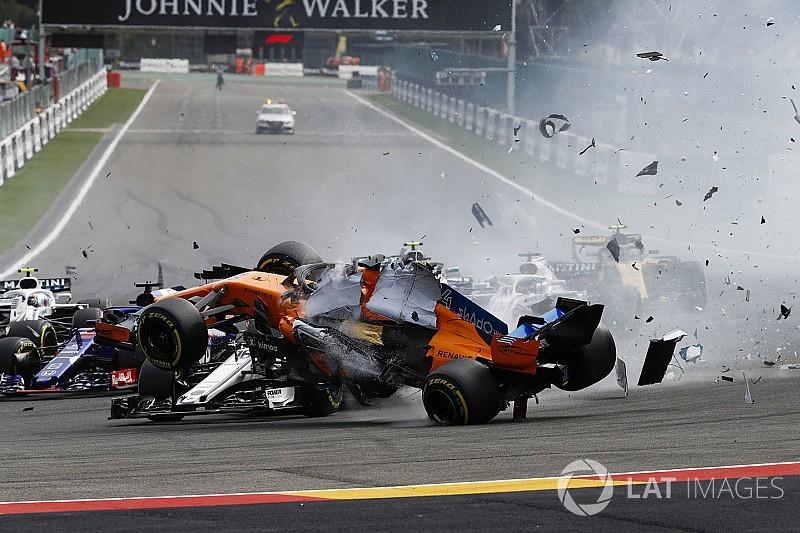 Verstappen szerint az emberek eltúlozzák Leclerc balesetét, de örül a Halónak