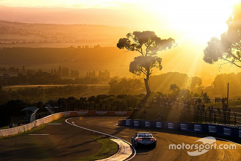 Bathurst 12 Hour locks down 2017 date