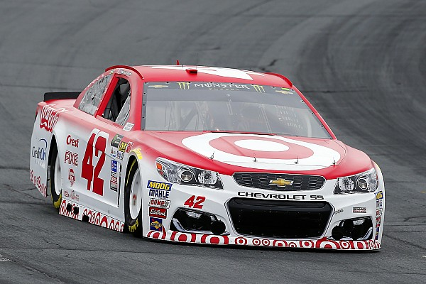 NASCAR Cup Kyle Larson comes from the rear to battle for NHMS win