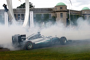 Vintage Новость Видео: Боттас стер до каркаса шины на Mercedes 2014 года