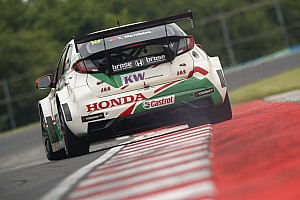 WTCC Race report Hungary WTCC: Monteiro holds off Chilton to win opening race