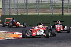 Formula 4 Gara Marcus Armstrong conquista la vittoria in Gara 2 a Vallelunga