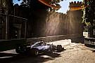 Lindo cenário e Hamilton superando Senna; o sábado em Baku