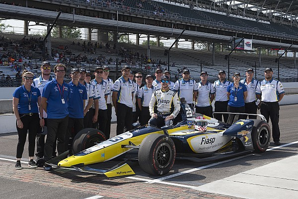IndyCar Breaking news Carlin drivers proud of starting top 20 with rookie IndyCar team