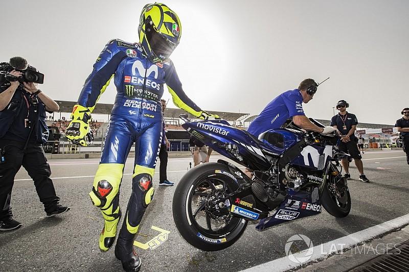 Avec 12 pilotes dans le coup, Rossi s'inquiète de l'usure de ses pneus