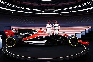 Brown megvédte a McLaren új festését