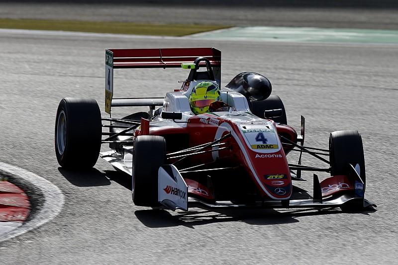 Schumacher logró su tercera victoria consecutiva en F3