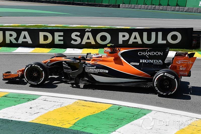 McLaren, büyük motor kapağının 2018 araçlarında olmasını veto etti!
