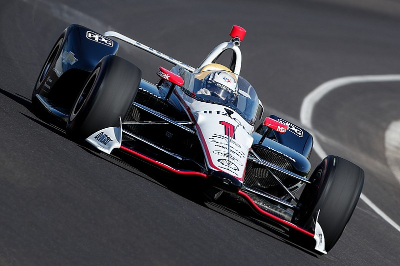 Newgarden tests modified IndyCar windshield at Indy
