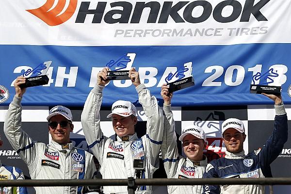 Il Team Engstler vince la Classe TCR alla 24h di Dubai