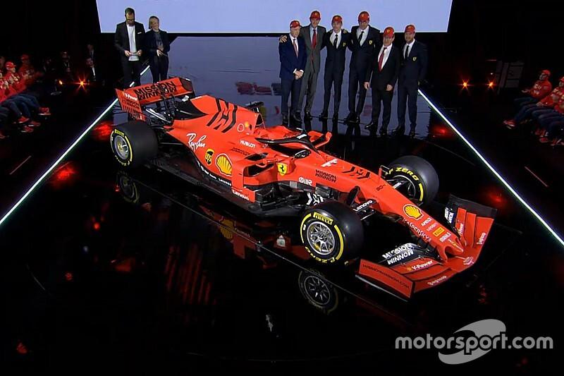 Ferrari zet kopman Vettel in voor eerste testdag in Barcelona