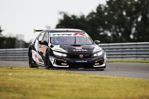 Donington BTCC: Cammish wins first race of 2020