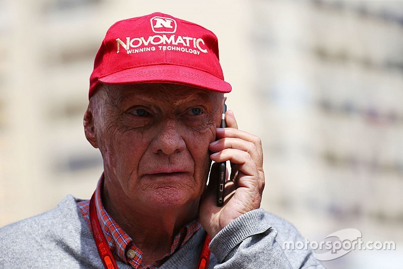 """Niki Lauda: """"Half of the F1 grid"""" has offered to replace Nico Rosberg"""