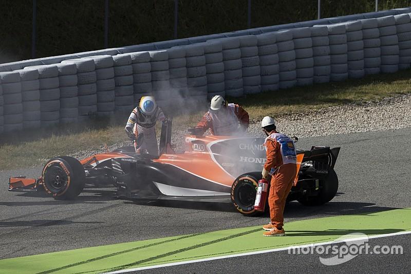 【F1】ホンダ長谷川氏「エンジンの底に穴が開き、オイルが抜けた」
