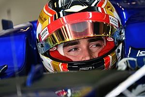 Формула 1 Новость Леклер показал тизер нового шлема для Ф1