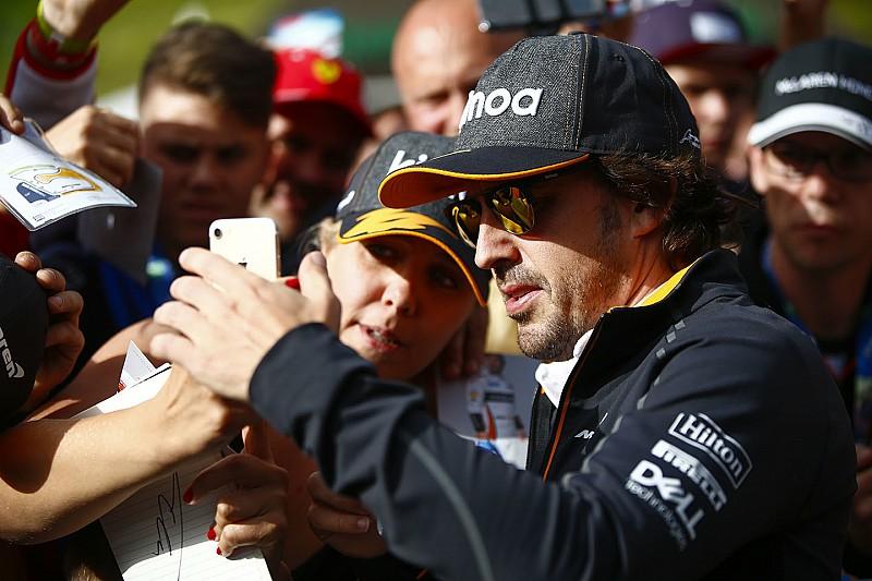 "Alonso: ""Éjjel-nappal dolgozik a McLaren…"""