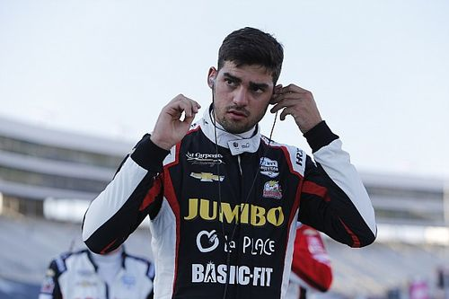 Van Kalmthout eert Luyendyk met speciale Indy 500-helm