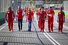 Формула 1 Пешком по Мельбурну. Гонщики впервые в сезоне прогулялись по трассе
