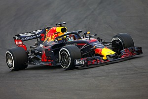 Формула 1 Отчет о тестах Риккардо стал быстрейшим утром в Барселоне, у Алонсо отлетело колесо