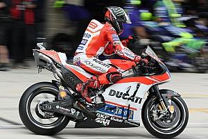 MotoGP Самое интересное Видео: Лоренсо радуется шестому месту в квалификации, как поулу