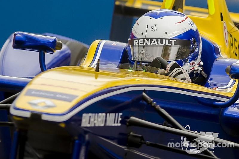 London ePrix: Prost memimpin, Frijns tabrakan di sesi latihan pertama