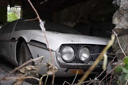 Nézd meg ezt a szegény, 30 éve porosodó Lamborghini Espadát