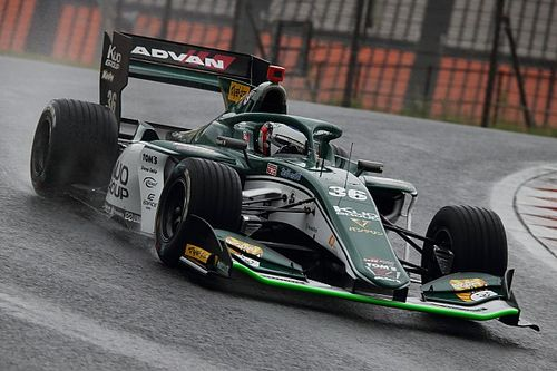 Autopolis Super Formula: Alesi takes shock pole in wet