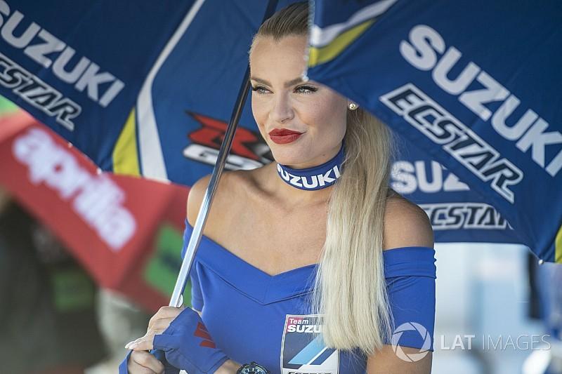 Fotogallery: le bellezze della MotoGP in Austria sfidano quelle del DTM. Chi vincerà?