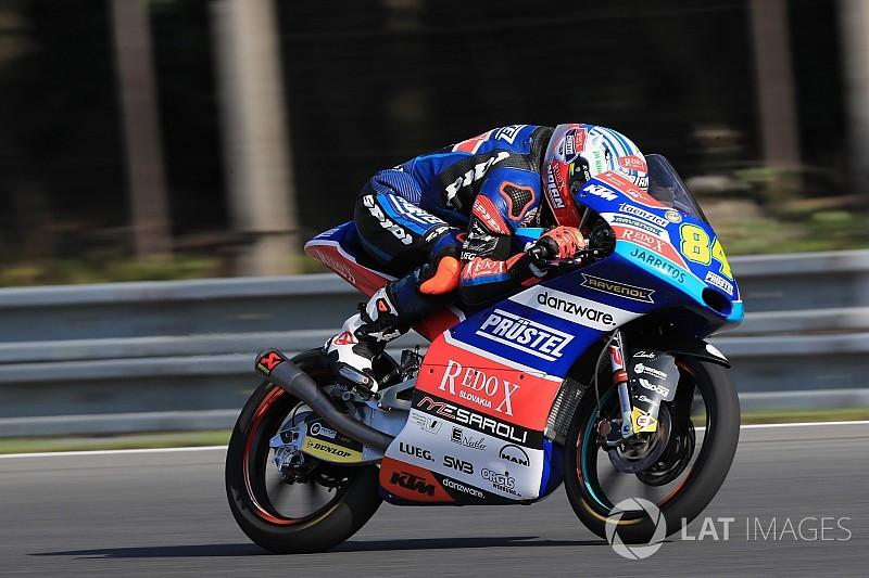 Moto3 Brno: Kornfeil pakt verrassende pole in thuisrace