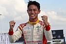 F4/SEA Buriram: Presley akhiri pekan dengan kemenangan keempat di Race 7
