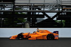 IndyCar Reporte de pruebas Vídeo: la maratoniana jornada de Alonso en los segundos libres de Indy 500