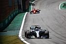 A Mercedes a győzelmek és a rajtelsőségek számában is fölényesen veri a Ferrarit