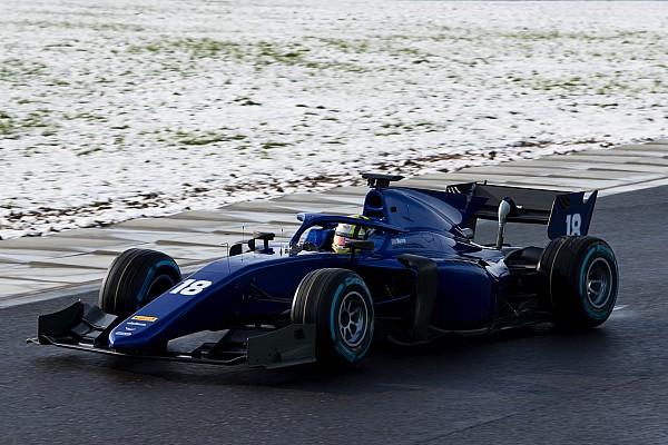 FIA F2 Топ список Галерея: тести болідів Ф2 з Halo на засніженій трасі у Франції