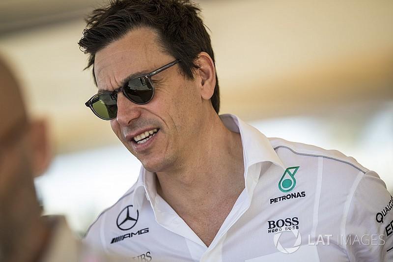 Mercedes poderia sair da Fórmula 1, diz Wolff
