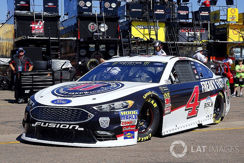 Kevin Harvick leads the way in final Cup practice at Phoenix