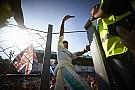 Lewis Hamilton a közösségi média királya a Forma-1-ben